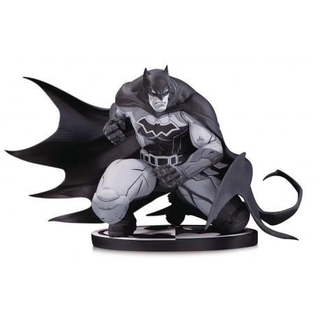Statuette Batman Black & White Batman by Joe Madureira